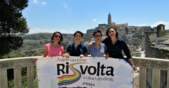 ASSOCIAZIONE RiSvolta – The Colors of Rights